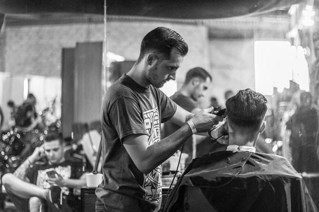 Haarpflege und Haarstyling Tipps für Männer