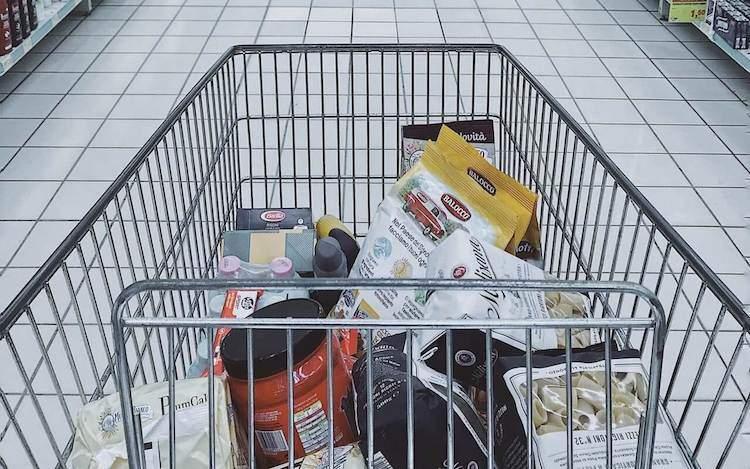 Tipp 3 der Diät Tipps - Kleinere Mengen einkaufen